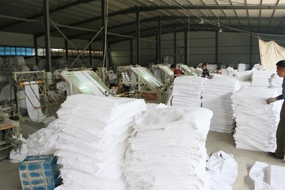 白色编织袋成品仓存