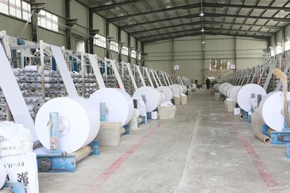 白色卷布生产机